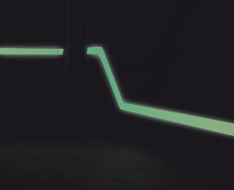 Znak ewakuacyjny Ciąg naścienny systemu niskiego oświetlenia LLL - PCV