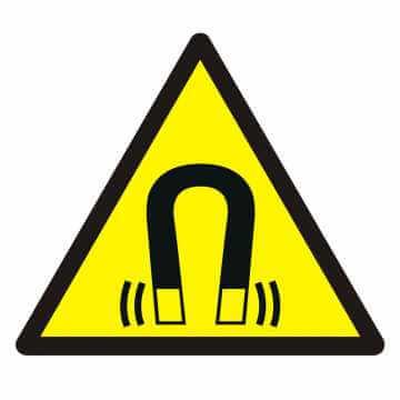 Znak Ostrzeżenie przed silnym polem magnetycznym