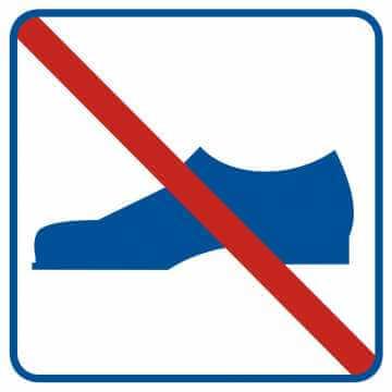 Zakaz używania obuwia